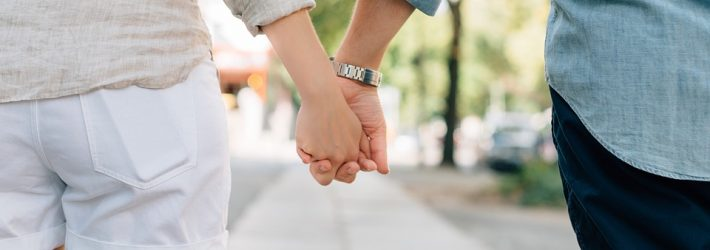 holding-hands-1149411_960_720