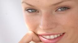 De ce ar trebui sa-ti albesti dintii indiferent de varsta?